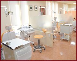 府中市の歯医者 口腔外科専門医 武田歯科の診療室